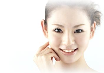 http://www.araoclinic.net/module/img/hiaruron/img01.jpg